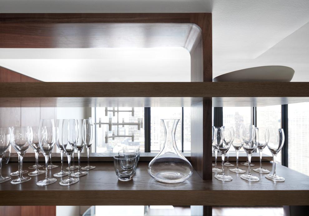 أرفف مطبخ معلقة 6ا الرفوف المعلقة.. ديكور متميز ومساحة تخزين إضافية في المطبخ