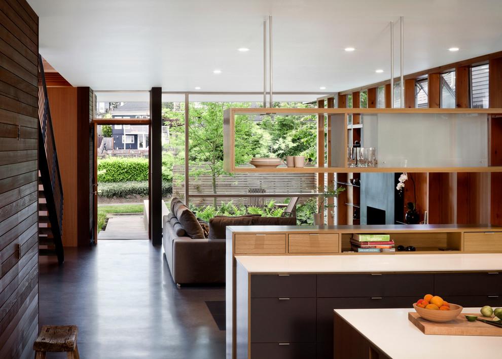 أرفف مطبخ معلقة 9 الرفوف المعلقة.. ديكور متميز ومساحة تخزين إضافية في المطبخ