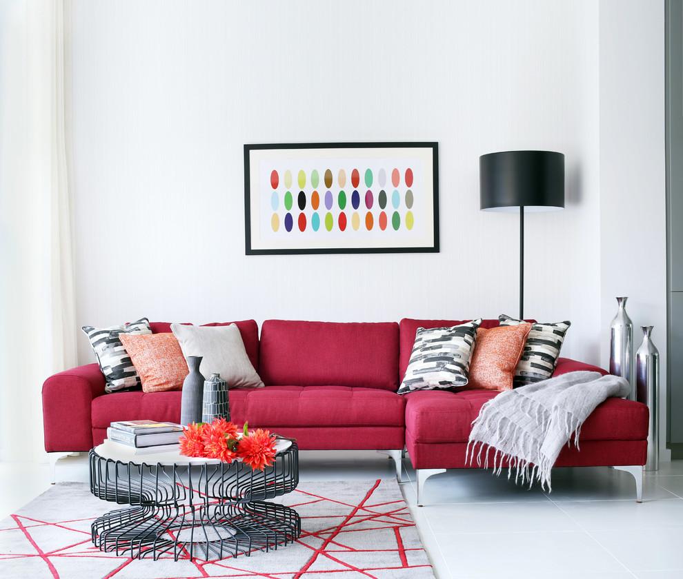 أريكة بألوان مشرقة أريكة بألوان مشرقة
