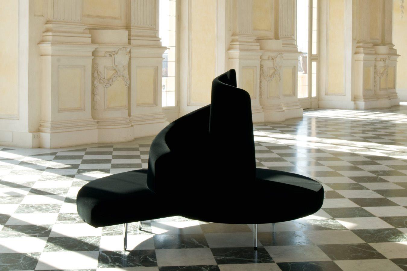 أريكة عصرية غريبة 2 الراحة والعصرية في تصميمات أرائك غريبة وغير تقليدية