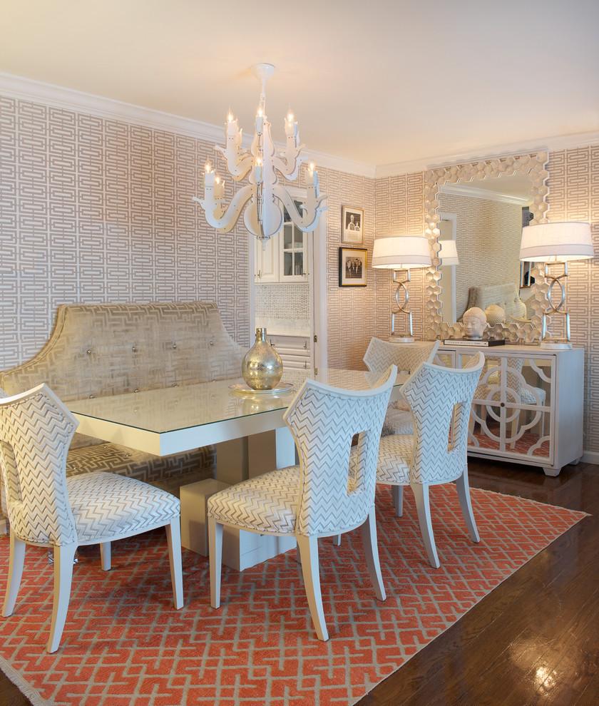 أريكة غرفة طعام منقوشة 2 الأريكة في غرفة السفرة.. لمحبي الراحة والتميز