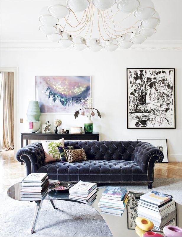 أريكة مقوسة الأذرع 10 نصائح لاختيار الأريكة المثالية  لغرفة جلوسك