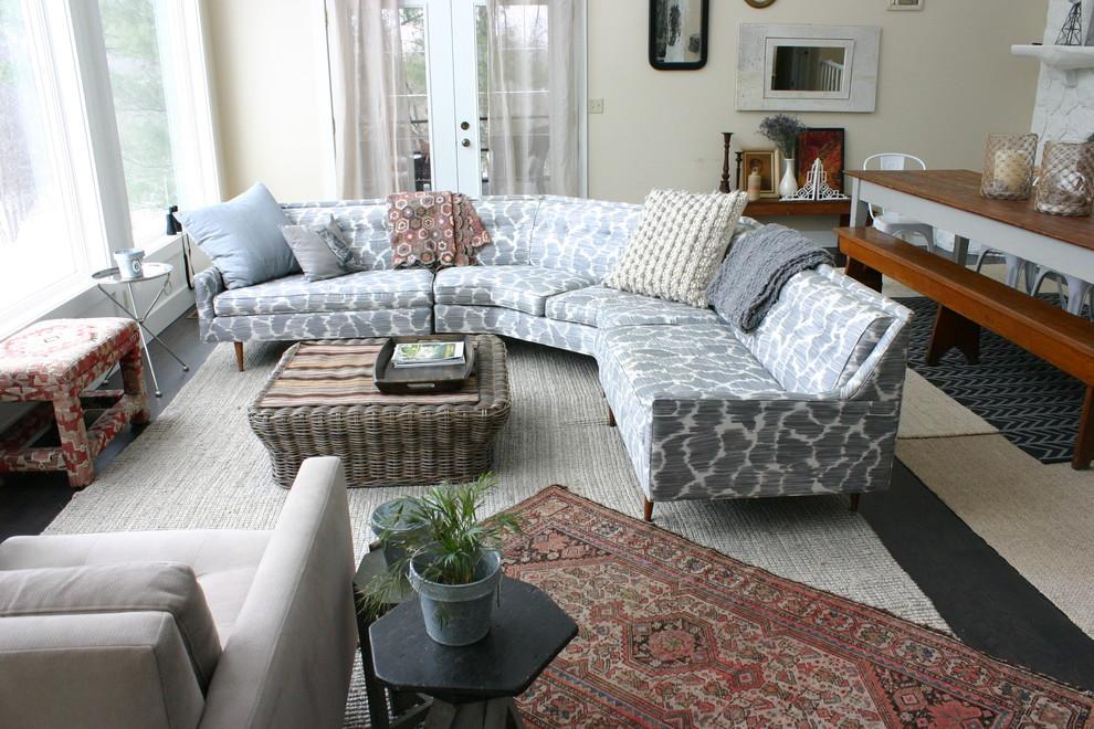 اريكة منقوشة اريكة منقوشة