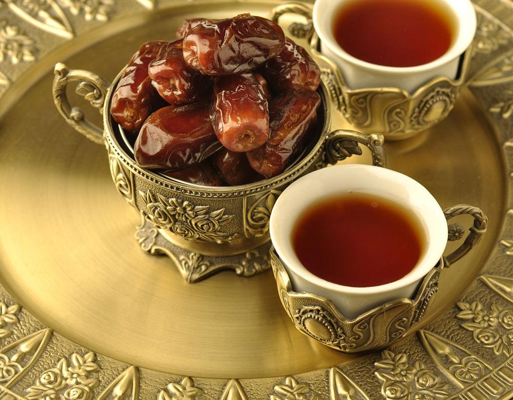 التمر والشاي في رمضان1 التمر والشاي في رمضان