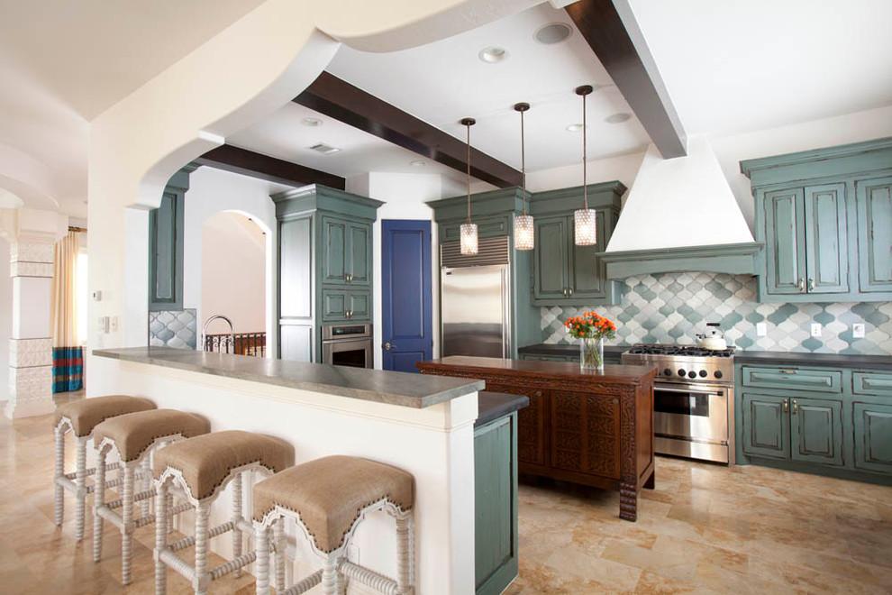 المطبخ سحر الشرق وحداثة المودرن في منزل واحد