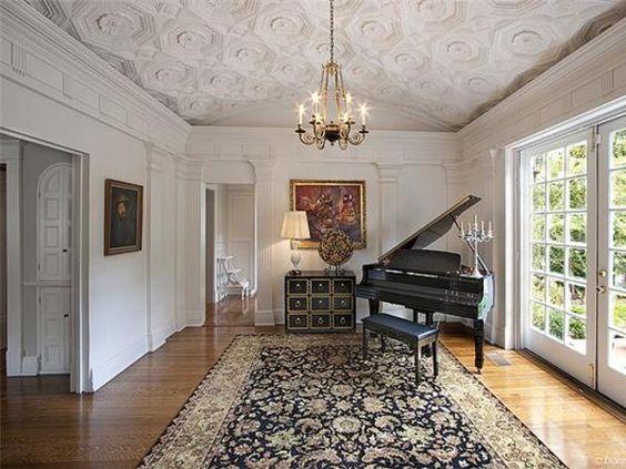 بيانو استوحي ديكور منزلك من منزل النجمة تايلور سويفت (Taylor Swift)