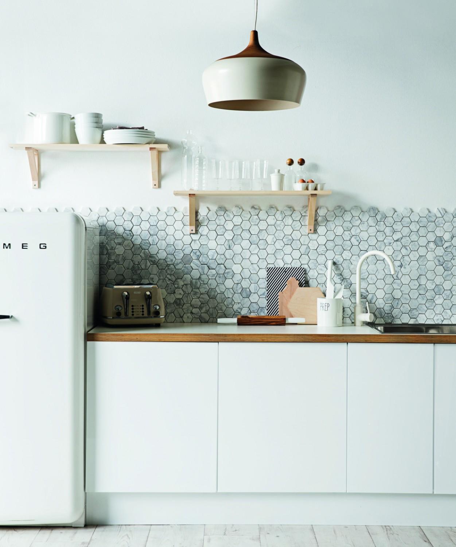 جدار مطبخ رخامي 2 1251x1500 5 أفكار متميزة لتزيين جدران مطبخك