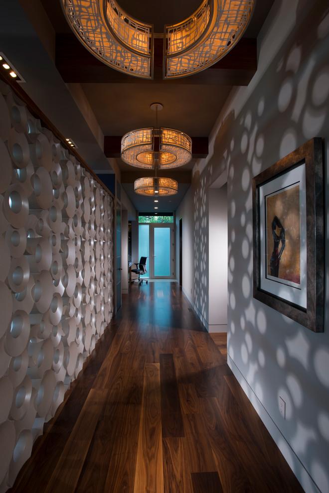 حائط بتصميم مبتكر 7 أفكار أنيقة وعملية لديكورات أروقة المنازل