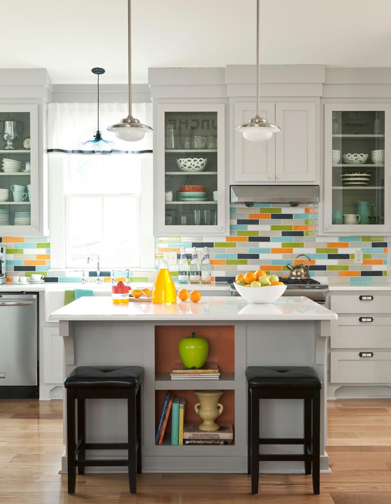 حائط مطبخ ملون 2 أضيفي الحيوية الى تصميم المطبخ بطرق مبتكرة