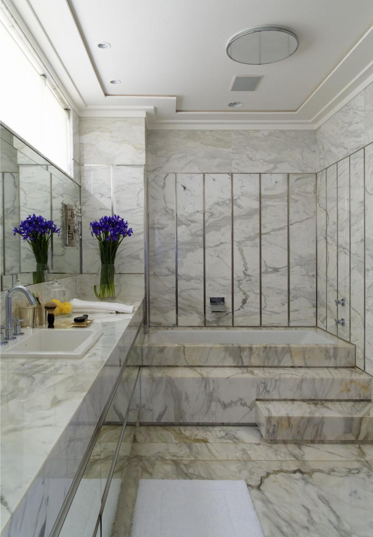 حمام رخام فخم 6 1042x1500 فخامة وروعة الرخام في تصميمات 15 حمام رائع