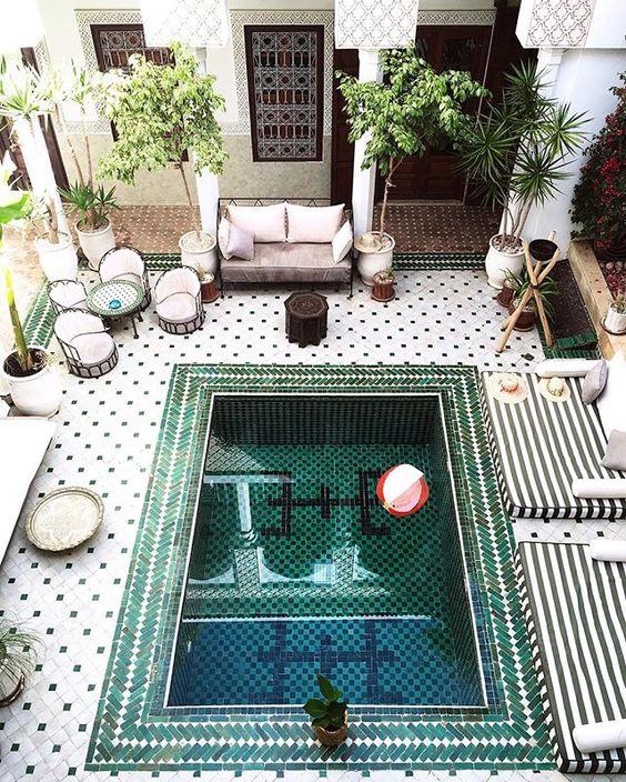 حمام سباحة 2 ديكورات عربية في غاية الفخامة لمنزلك