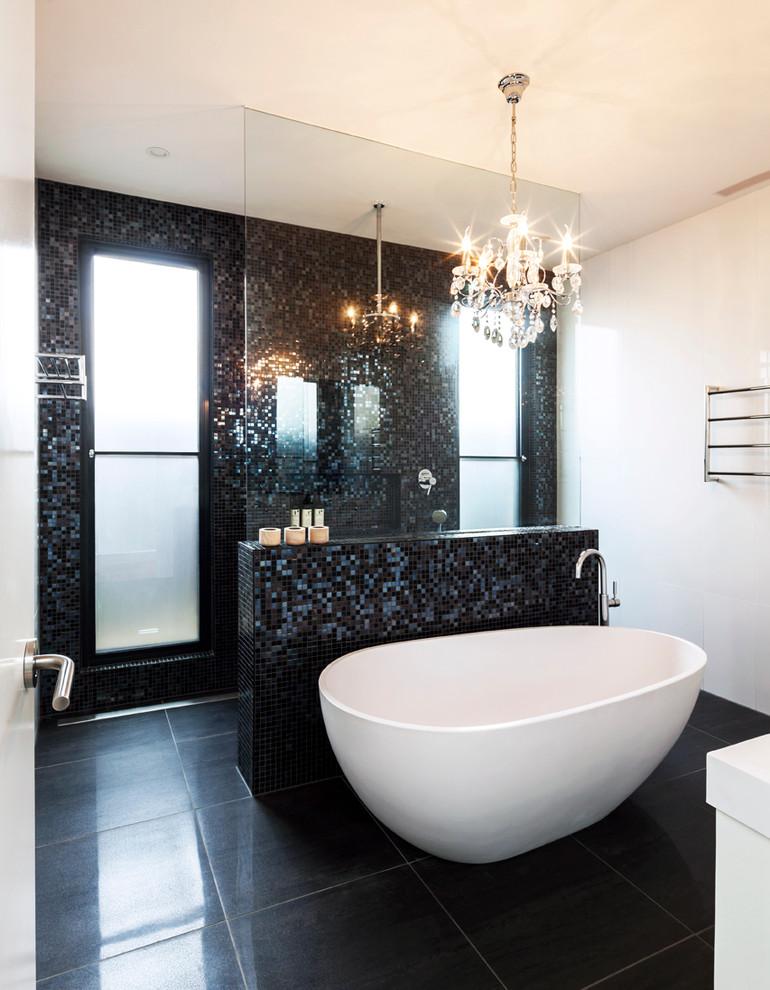 حمام موزاييك 6 الموزاييك.. فخامة وروعة في حمامك