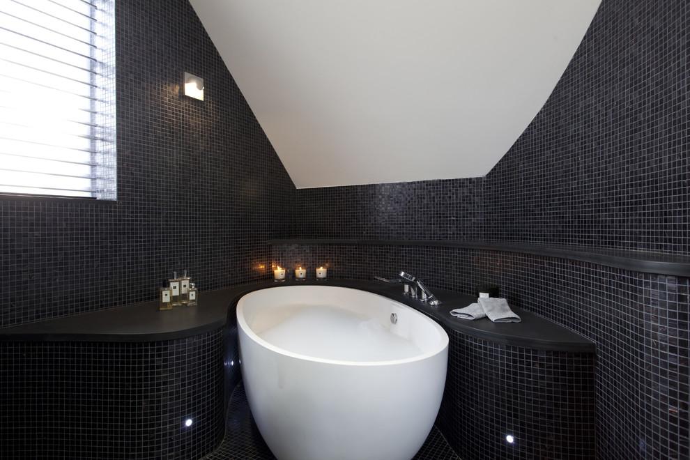 حمام موزاييك 7 الموزاييك.. فخامة وروعة في حمامك