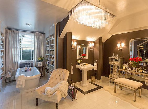 حمام 2 1 شاهدي أناقة منزل النجمة جينيفر لوبيز (Jennifer Lopez)