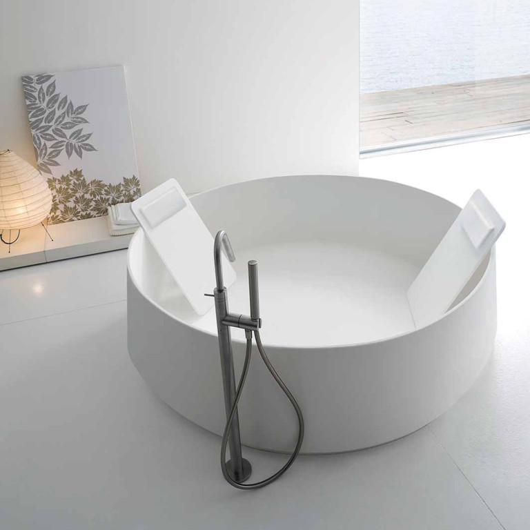 حوض استحمام 14 أحواض استحمام فريدة لهواة الرفاهية