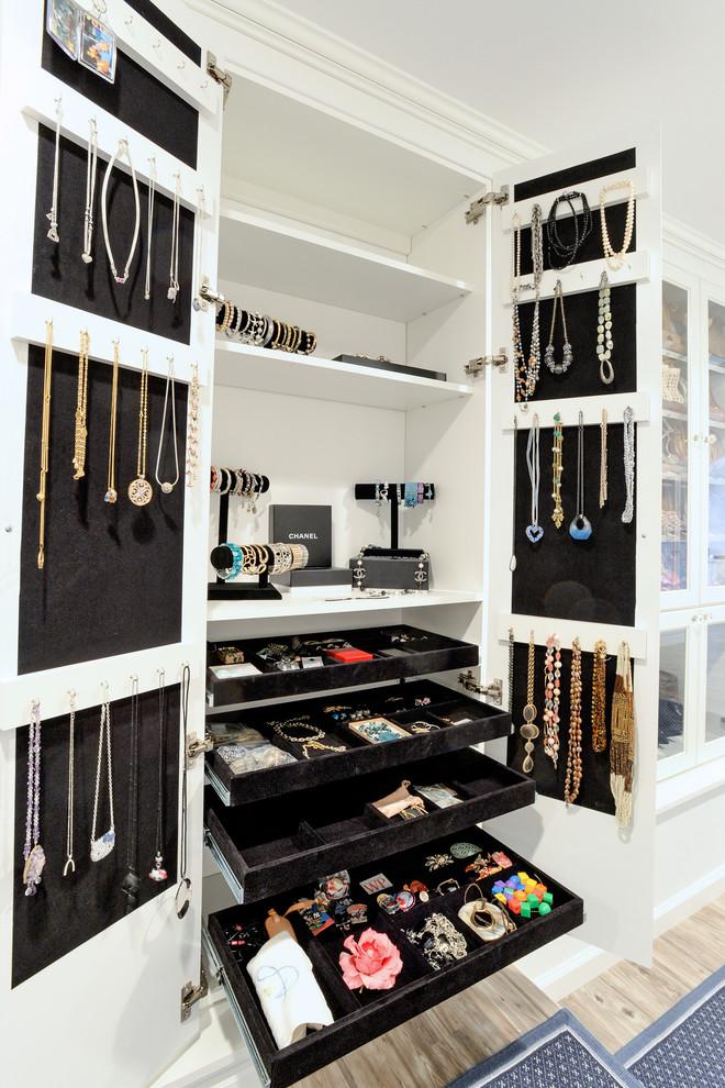 خزانة اكسسوارات 7 أفكار ممتازة  لخزانة ملابس منظمة دائمًا