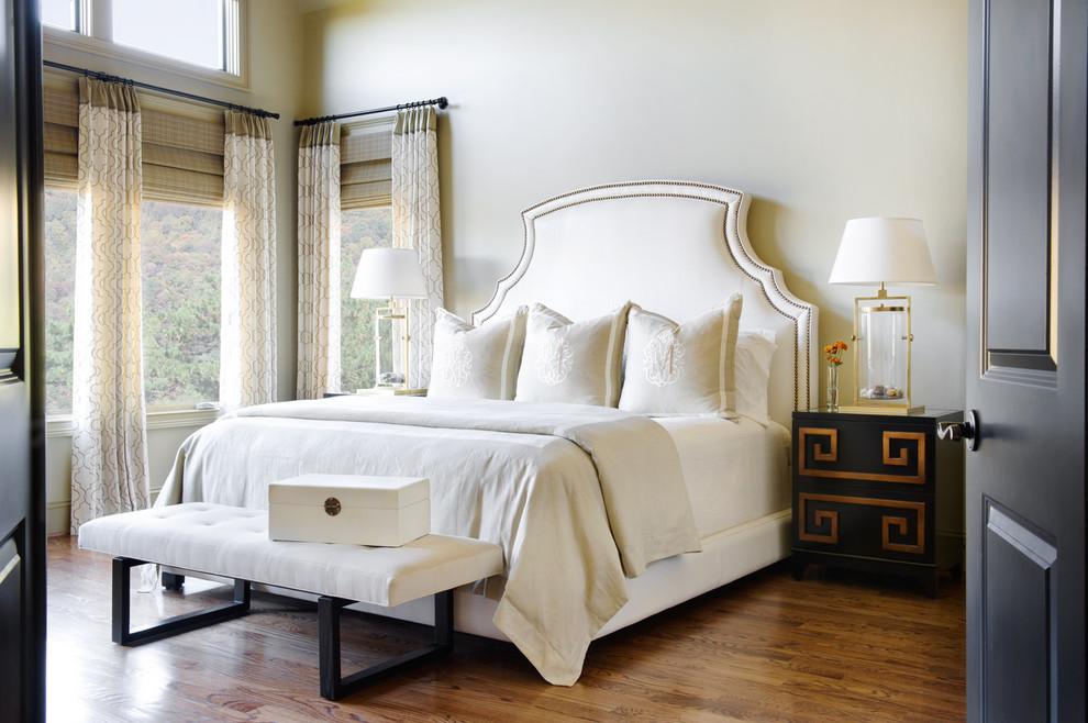 سرير كلاسيك بظهر عالي السرير ذو الظهر العالي: لمسة أناقة وفخامة في غرفة النوم