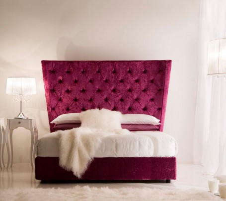 السرير ذو الظهر العالي: لمسة أناقة وفخامة في غرفة النوم