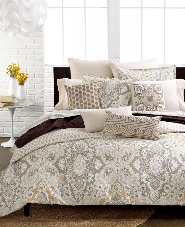 سرير 1 1225x1500 كيف تختارين السرير المثالي لنوم هانئ وأحلام سعيدة