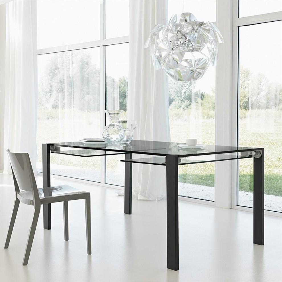 طاولة زجاجية قابلة للطي السفرة القابلة للطي: الحل العملي للبيت العصري
