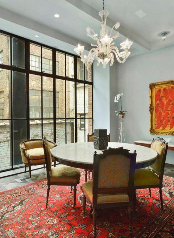 طاولة استوحي ديكور منزلك من منزل النجمة تايلور سويفت (Taylor Swift)