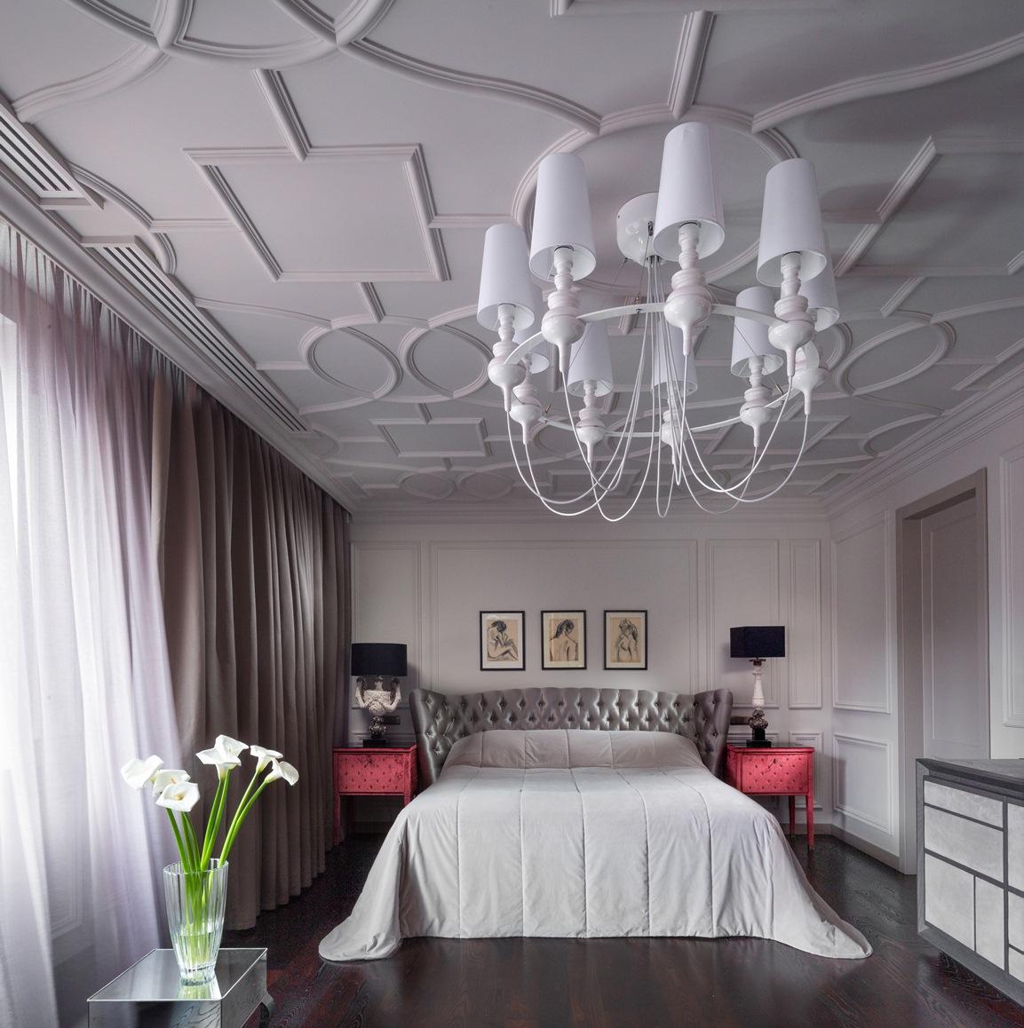 غرفة النوم الرئيسية 1 منزل فخم يجمع الديكور الكلاسيك والمودرن بشكل فني رائع