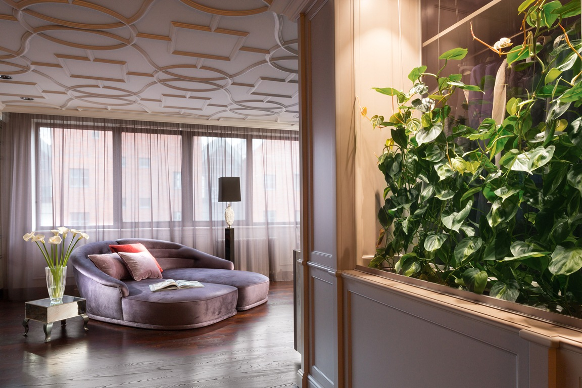غرفة النوم الرئيسية 3 منزل فخم يجمع الديكور الكلاسيك والمودرن بشكل فني رائع