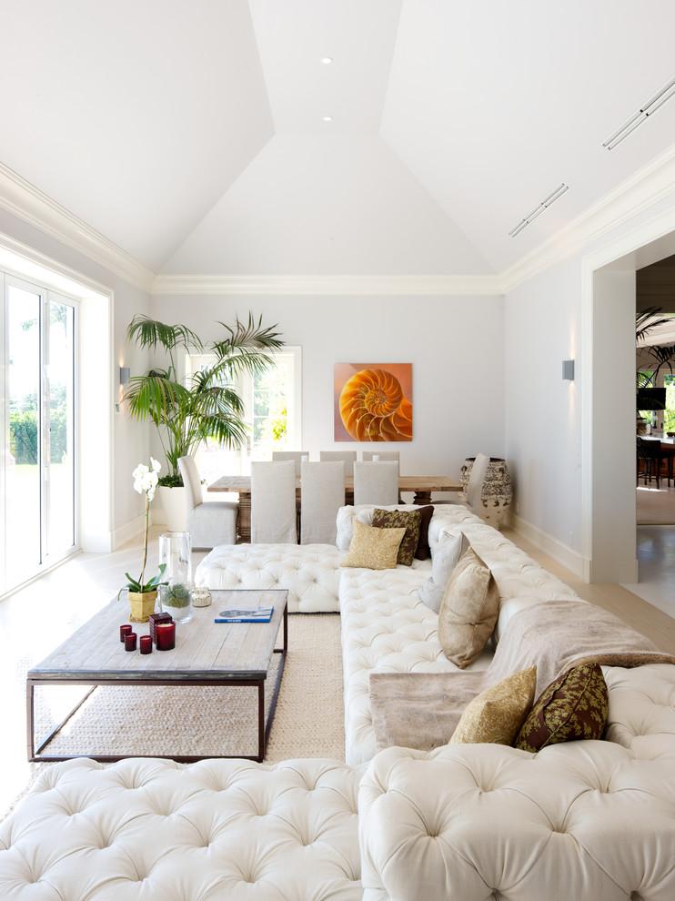 غرفة جلوس مودرن بتفاصيل كلاسيكية 7 غرف معيشة أنيقة تجمع عصرية المودرن وفخامة الكلاسيك