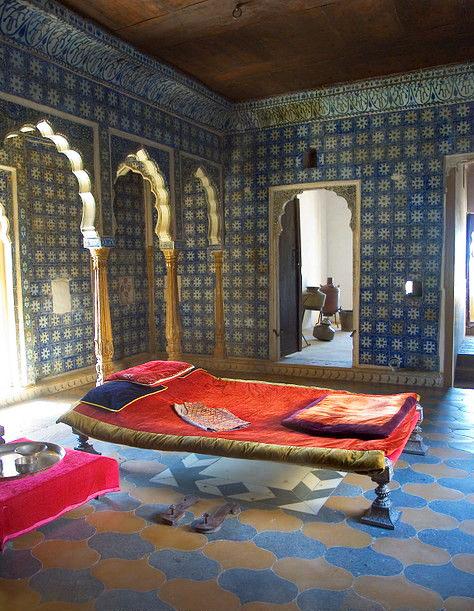 غرفة صغيرة تصاميم غرف نوم على الطراز الهندي