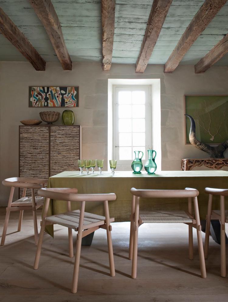غرفة طعام بديكورات من الطبيعة 2 منزل متميز بديكورات مستوحاة من الطبيعة وأعماق البحار