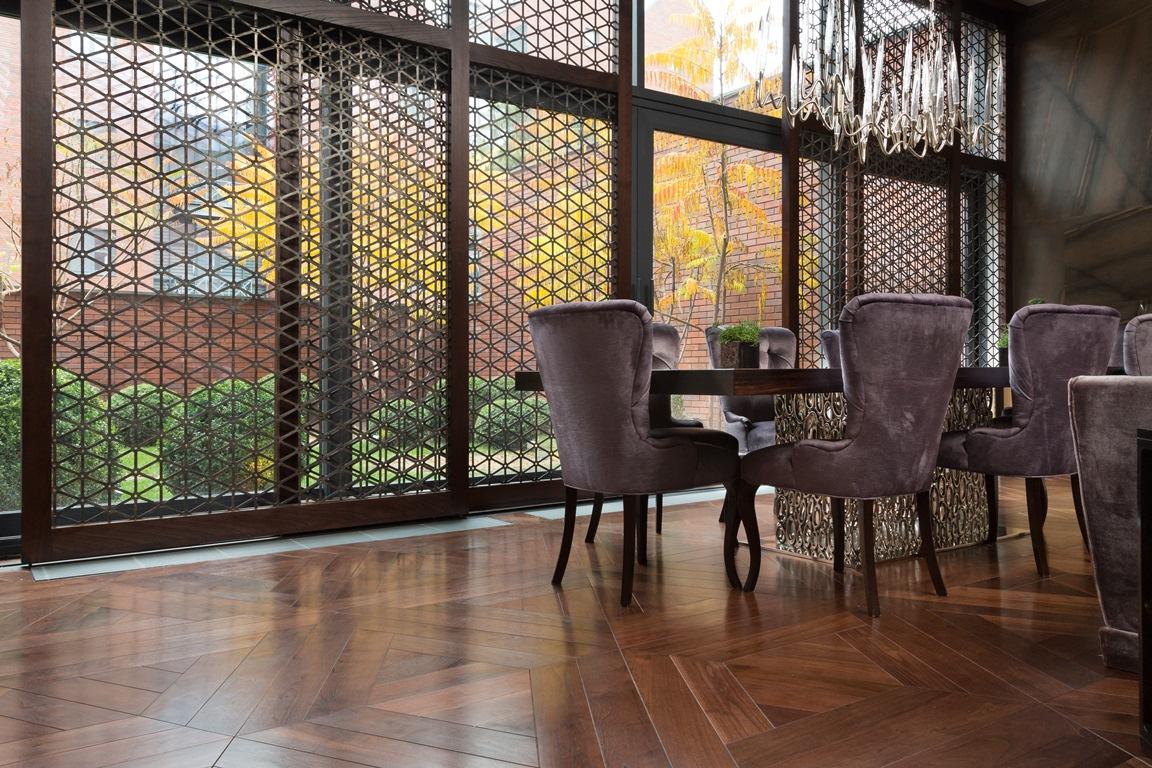 غرفة طعام فخمة 2 منزل فخم يجمع الديكور الكلاسيك والمودرن بشكل فني رائع