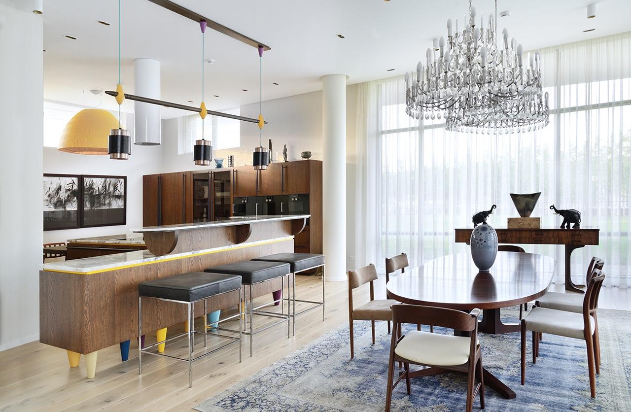 غرفة طعام ومطبخ مودرن 1 العصرية والفخامة في تصميم منزل متميز جدًا