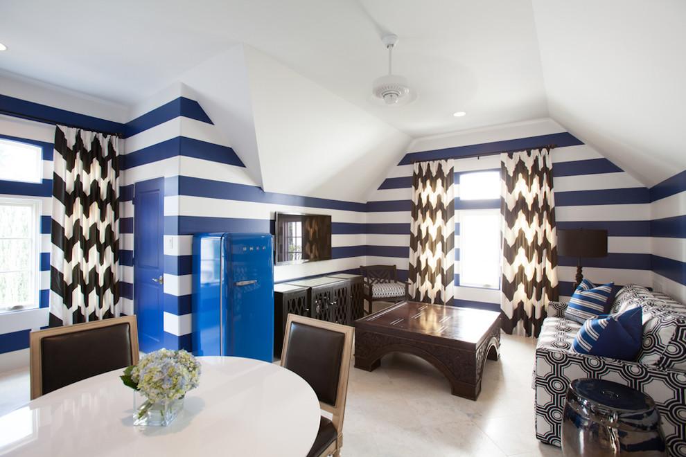 غرفة معيشة إضافية سحر الشرق وحداثة المودرن في منزل واحد