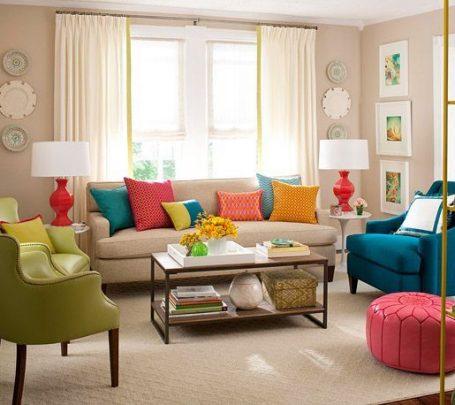 غرفة معيشة ملونة