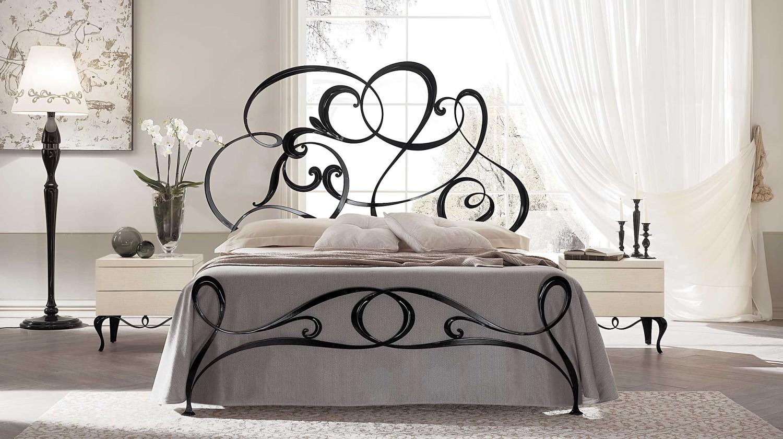 غرفة نوم إيطالية رائعة 5 1500x840 غرف نوم إيطالية تجمع الرومانسية والابتكار في جمال خيالي
