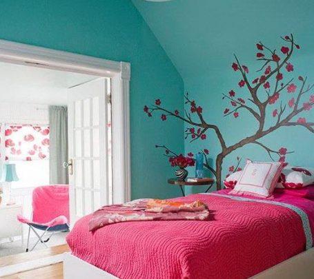 غرفة بألوان زاهية