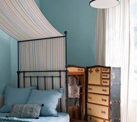 غرفة نوم بديكورات مبتكرة
