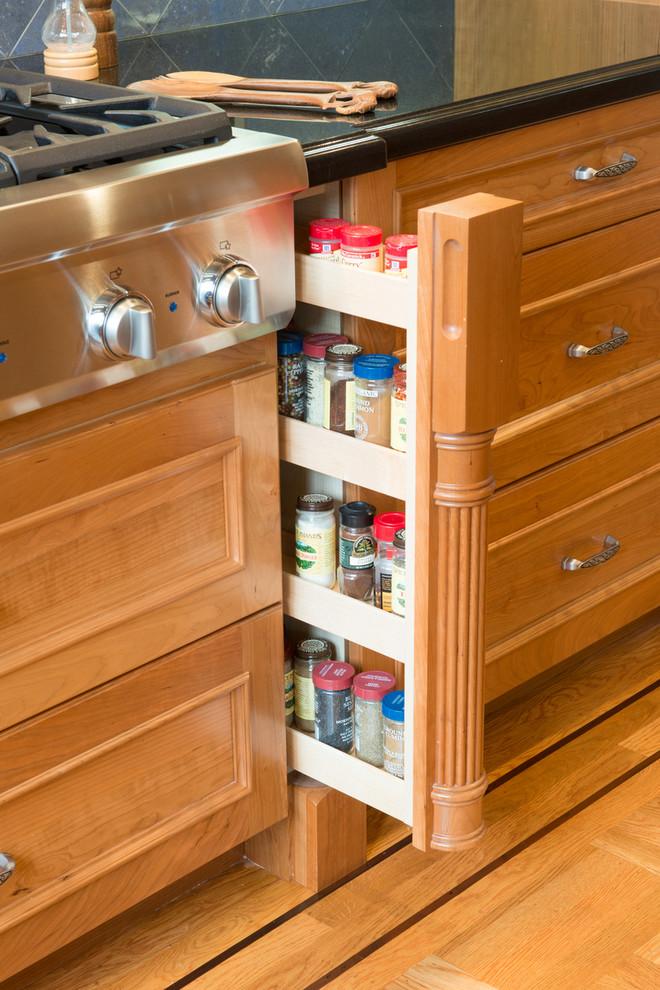 فكرة لمطبخ منظم 4ا 20 فكرة عملية لمطبخ منظم وأنيق   ج1