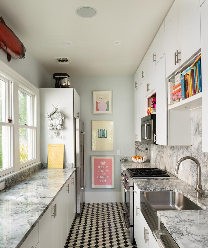 لوحات على حائط المطبخ أضيفي الحيوية الى تصميم المطبخ بطرق مبتكرة