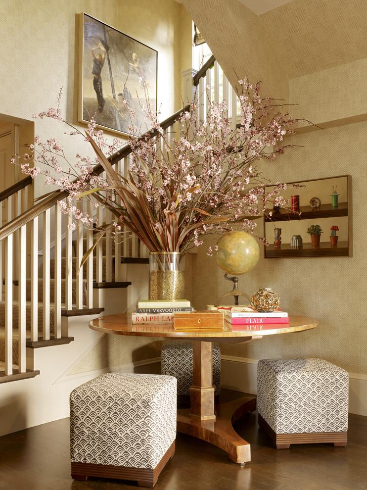 مزهرية كبيرة في ركن المزهريات الكبيرة.. لمسة من جمال الطبيعة داخل المنزل