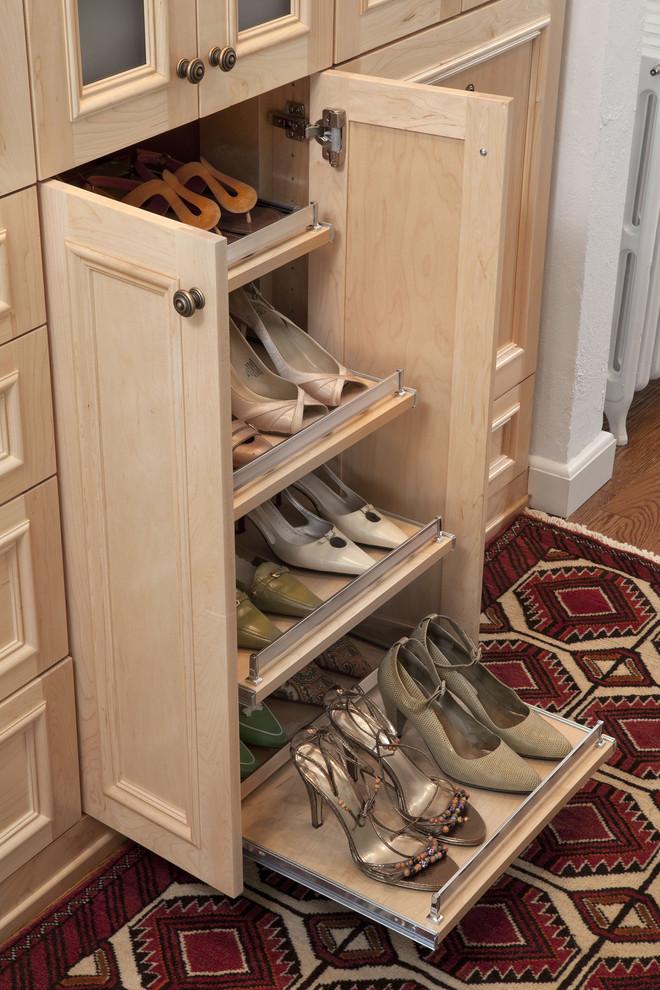 مساحة تخزين أحذية 4 7 أفكار ممتازة  لخزانة ملابس منظمة دائمًا