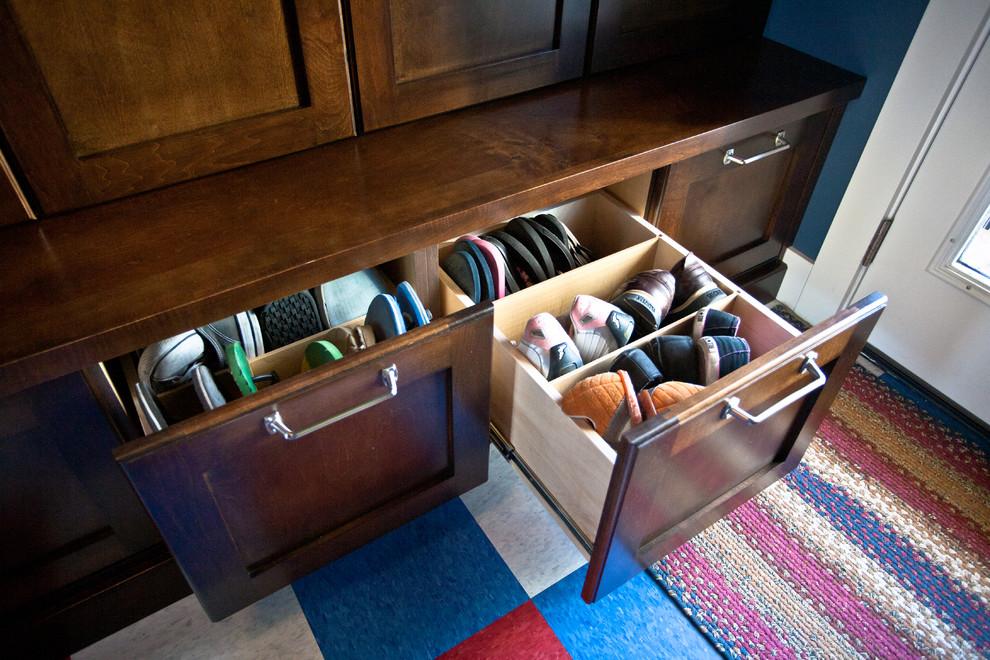 مساحة تخزين أحذية 5 7 أفكار ممتازة  لخزانة ملابس منظمة دائمًا