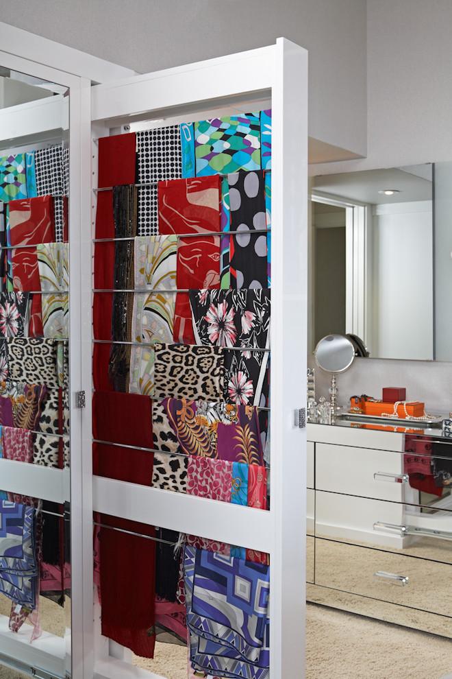 مساحة تنظيم شيلات 7 أفكار ممتازة  لخزانة ملابس منظمة دائمًا
