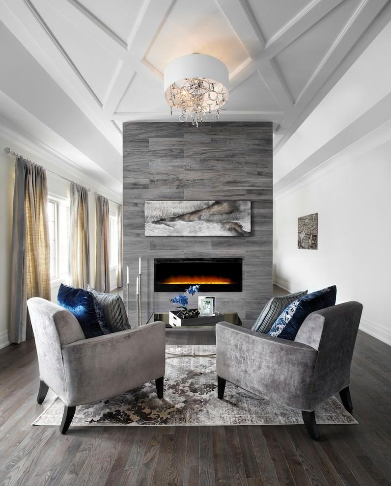مساحة جلوس أنيقة الديكورات الكلاسيكية بمظهر عصري في منزل أنيق وراقي