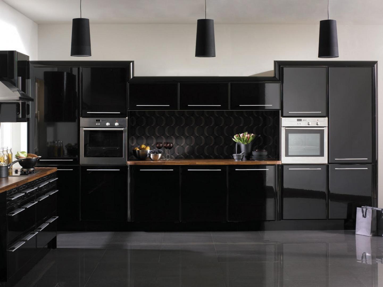 مطبخ أسود 2 أناقة وروعة الأسود في تصميمات مطابخ عصرية وكلاسيكية