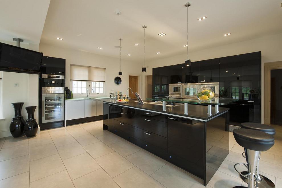 مطبخ أسود 4 أناقة وروعة الأسود في تصميمات مطابخ عصرية وكلاسيكية