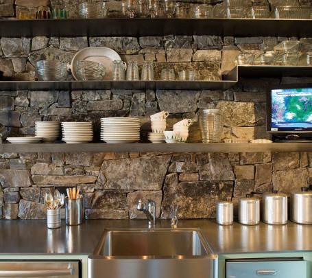 مطبخ بحوائط حجرية 4ا