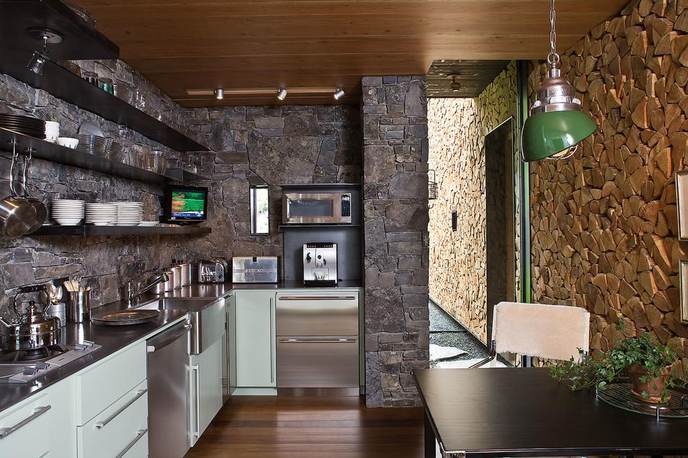 مطبخ بحوائط حجرية 4 الحوائط الحجرية.. لمسة فخامة وتميز في المطبخ