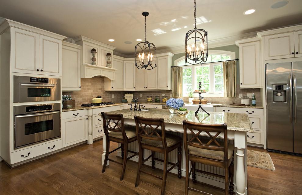 مطبخ كلاسيكي فخم 2 الفخامة والأناقة في تصميمات 10 مطابخ كلاسيكية جميلة