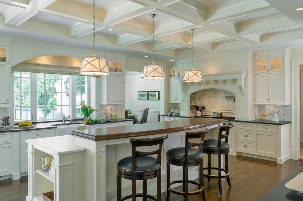 مطبخ كلاسيكي فخم 6 الفخامة والأناقة في تصميمات 10 مطابخ كلاسيكية جميلة